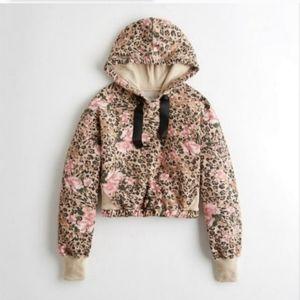Nwt Womens Hollister Leopard Floral Crop Sweater